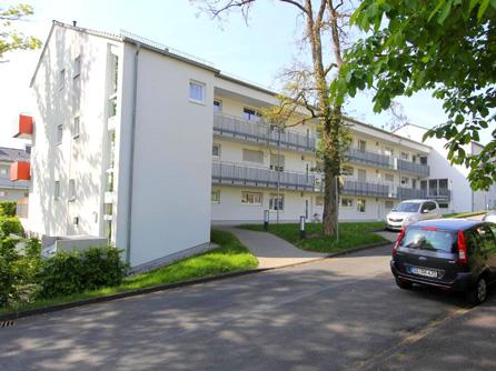 Familienwohnungen im Fichtenweg - Laubenganghaus denkmalgerecht ersetzt
